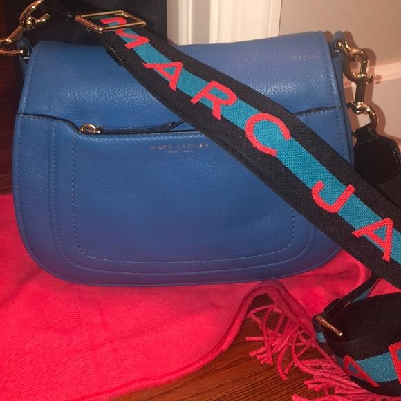 Marc Jacobs Handbags - Like new Marc Jacobs City Messenger Bag